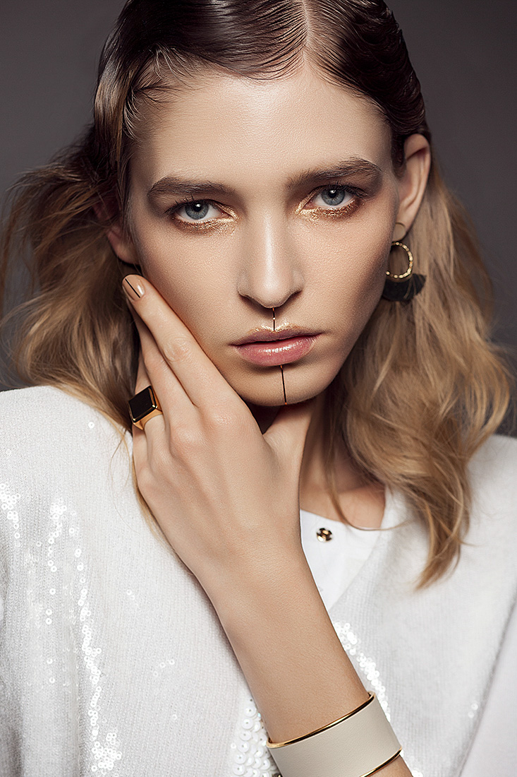 L'OFFICIEL GOLD starring Kathya - Alessia Laudoni · photographer