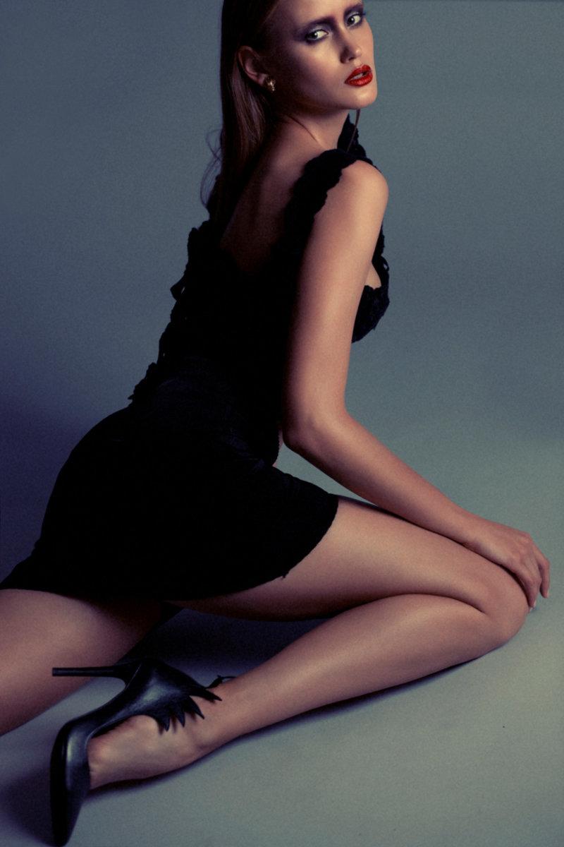 L'OFFICIEL starring Anna - Alessia Laudoni · photographer