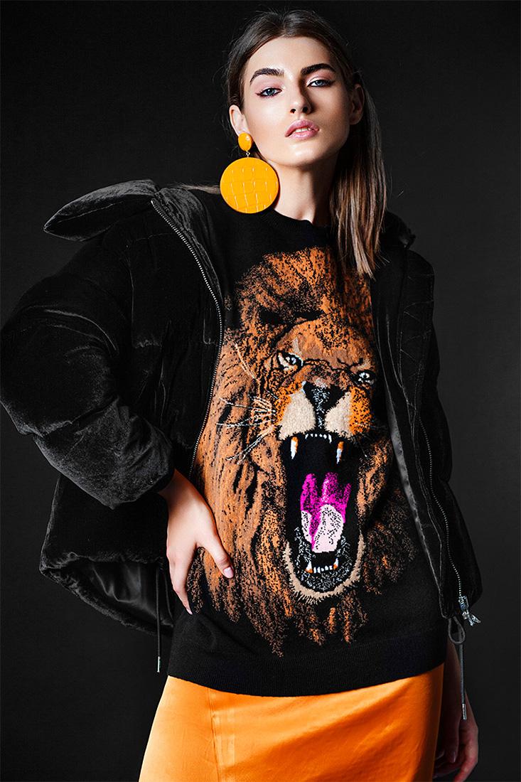 LAVANGUARDIA MAG starring Simone - Alessia Laudoni · photographer
